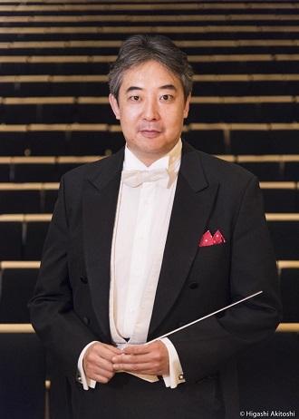 指揮者 佐藤 俊太郎 © Photo by Akitoshi Higashi