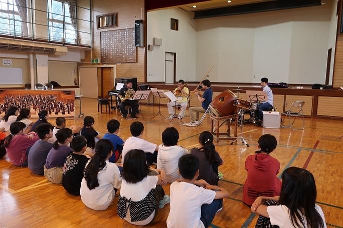 札響音楽創造体験プログラム開催/札幌市立南白石小学校